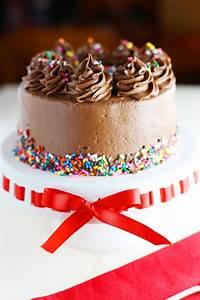 Decor Gateau Anniversaire : decoration gateau chocolat anniversaire fumcwhittier ~ Melissatoandfro.com Idées de Décoration