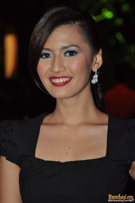 Asty Ananta Artis Cantik ~ Toket Artis Indonesia