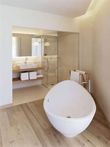 petite salle de bain 30 idees damenagement With peinture pour baignoire et lavabo