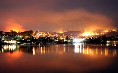 flee homes  california due  wildfires