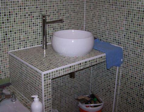 salle de bain carrele bati en carreau de platre plan vasque
