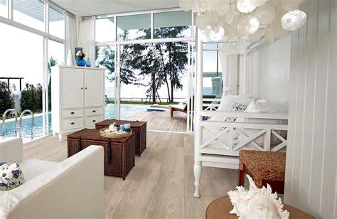arredare la casa al mare il pavimento parquet in legno ideale d estate nella casa