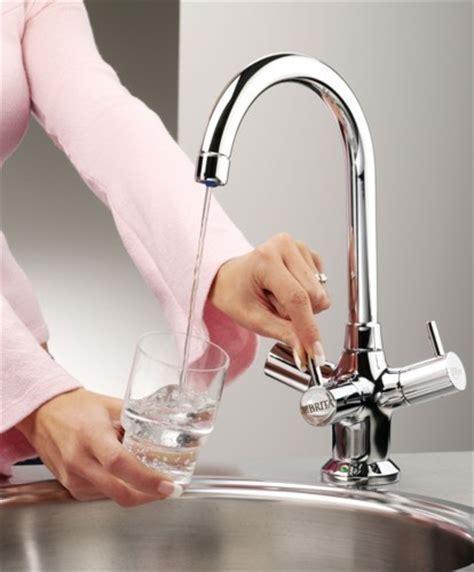 Titanium Modern Water Filter Kitchen Tap (Chrome). Brita
