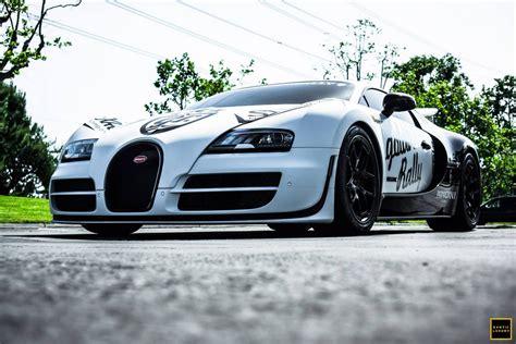 Bugatti Veyron Pur Blanc Clocks 246.4 Mph On Public Road