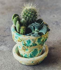 Pot A Cactus : pretty plantings at pigment planting succulents in vintage pots gardens turquoise and cactus ~ Farleysfitness.com Idées de Décoration