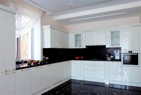 decoracion cocinas blancas  negras hoy lowcost