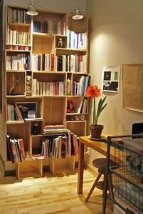 L Art De La Caisse : mon ancienne biblioth que faite avec des caisses vin ~ Carolinahurricanesstore.com Idées de Décoration