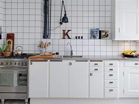 joint cuisine le joint noir ou gris pour le carrelage joli place