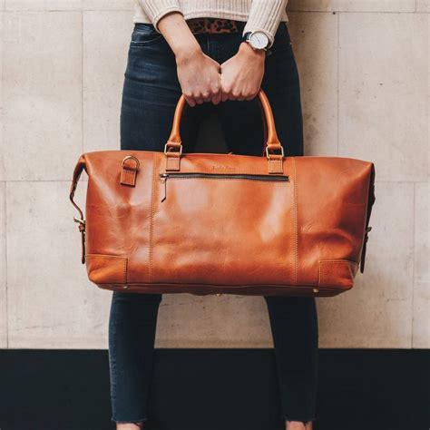 personalised leather holdall weekend bag aviator  niche lane notonthehighstreetcom