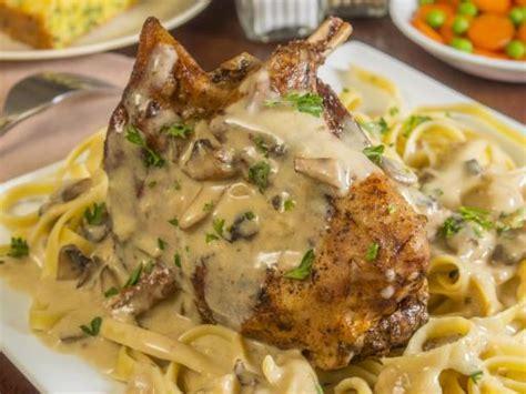cuisiner le lapin au four lapin à la moutarde maison recette de lapin à la