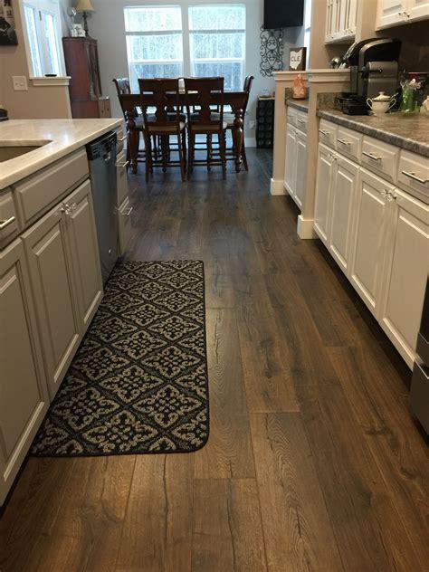 oak flooring kitchen the 25 best pergo outlast ideas on pergo 1136