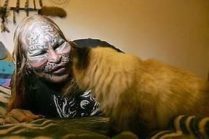 Cat Man - the human 'tiger' who enjoys climbing trees and ...