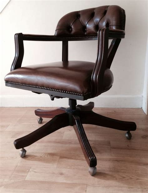 chaise de bureau style chesterfield the court swivel chair catawiki