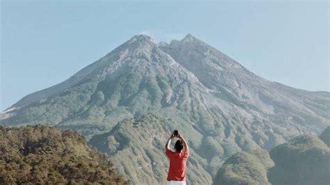 destinasi  jogja  sekitarnya  latar gunung