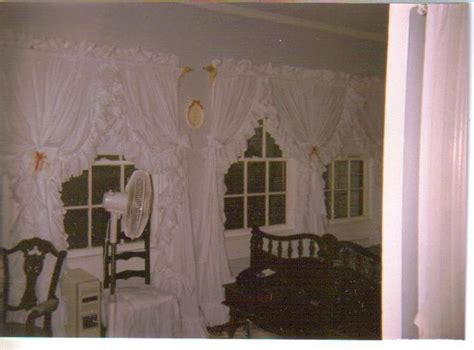 1000+ Images About Priscilla Criss Cross Curtains, Dorothy's Ruffled Originals On Pinterest Fluted Wood Curtain Rods 72 Inch Wide Window Curtains Typical Panel Lengths 6 Pencil Pleat Tape How Much Fabric Needed To Make Shower Long Pinch Heading Best Bedroom Uk