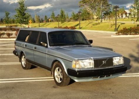 buy   volvo  station wagon beautiful shape
