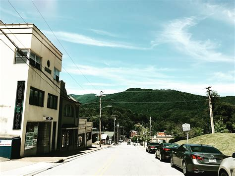 Why You Should Explore Small Town Living In The Mountains