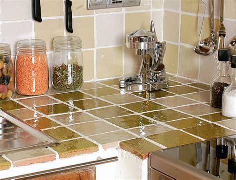 poser un plan de travail cuisine pose faience cuisine sur plan de travail