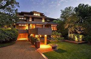 Frank Lloyd Wright's Name Used to Sell Houses He Didn't