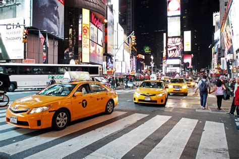 New Yorkers Can Now Hail Yellow Cabs With An App