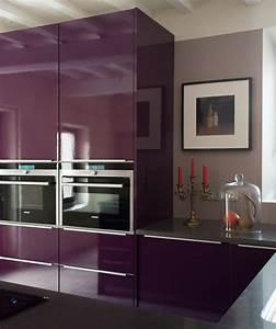 superbe deco cuisine blanc et noire 12 couleur prune With cuisine grise et rose
