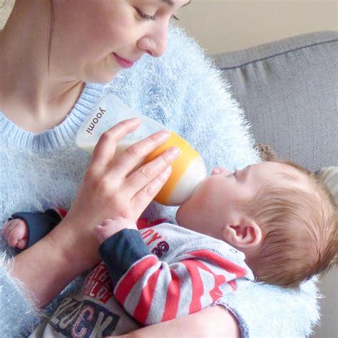 Feeding Baby On The Go The Yoomi Self Warming Bottle