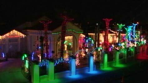 secrets  unbelievable christmas lights displays