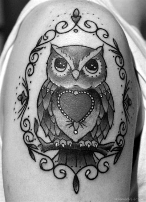 In color, without the border, with books | Owl tattoo