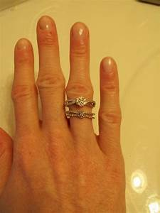 izyaschnye wedding rings wedding ring on your left hand With wedding ring on right hand