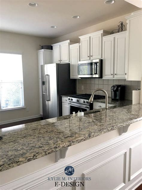 Benjamin Moore Oxford White Painted Oak Cabinets