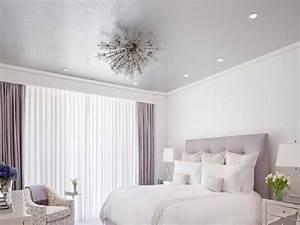 Richtige Farbe Für Schlafzimmer : lila fenstervorh nge f r wohn und schlafzimmer innendesign zenideen ~ Markanthonyermac.com Haus und Dekorationen