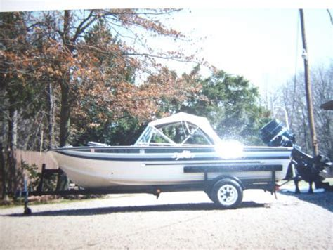 Nada Sylvan Boats by 1984 16 Foot Sylvan Sportmaster Fishing Boat For Sale In