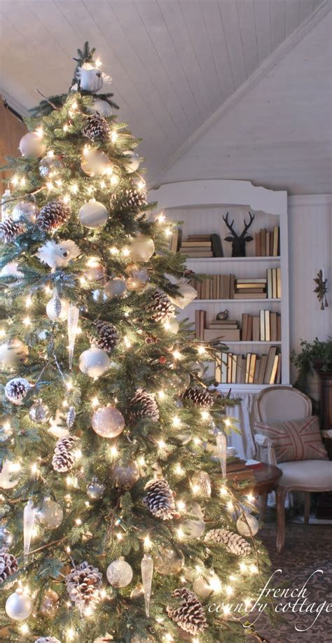 tips for decorating christmas tree woodland cottage christmas tree decorating ideas 9347
