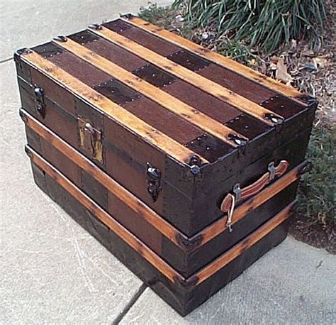 Large Bedroom Trunk by Refurbished Antique Trunks 270 Diy In 2019 Patina Em