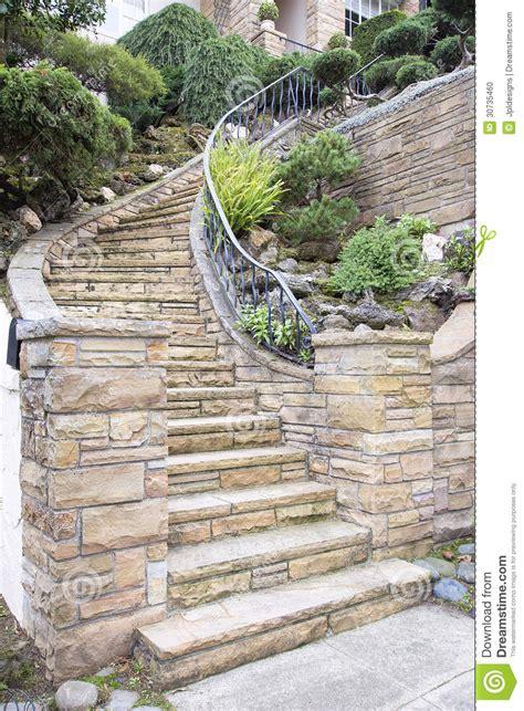 de placage exterieur fa 231 ade en de placage sur l escalier ext 233 rieur 224 la maison photo stock image 30735460