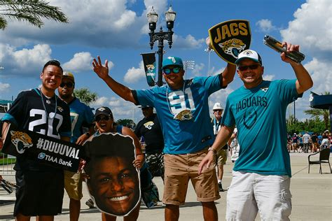 Dante Fowler on Jaguars' home-opener crowd: 'It was ...