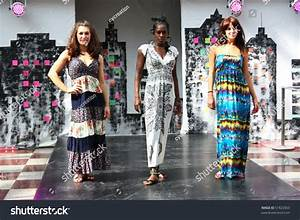 Croydon, London - April 24 : Models In Fashion Fusion ...