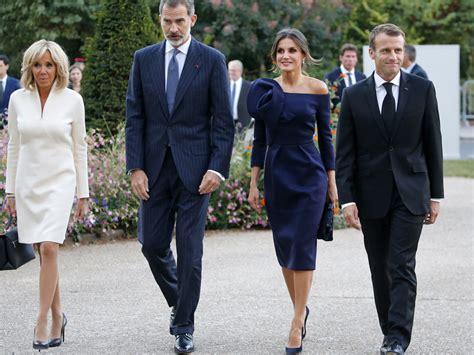los reyes visitan  los macron en paris vanity fair