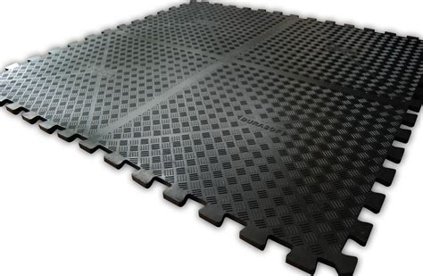 corner floor mat manufactured from nitrile rubber oil and grease resistant