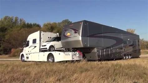 Rv Car by Rv Hauler Jackknifes With Smart Car And 45 Foot 5th Wheel