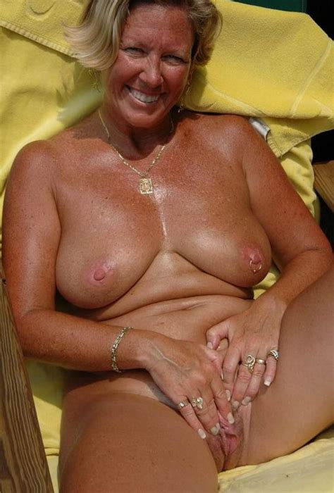 Who Is This Elegant Sexy Granny Spreading Page 2