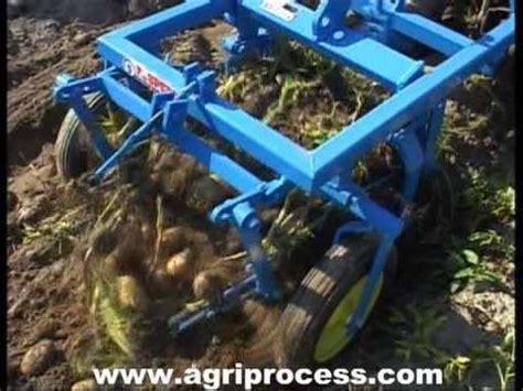 arracheuse de pomme de terre pour petit tracteur