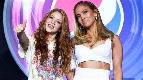 What did jlo shout in spanish? Jennifer Lopez Gives Shakira a Pep Talk Before 2020 Super ...