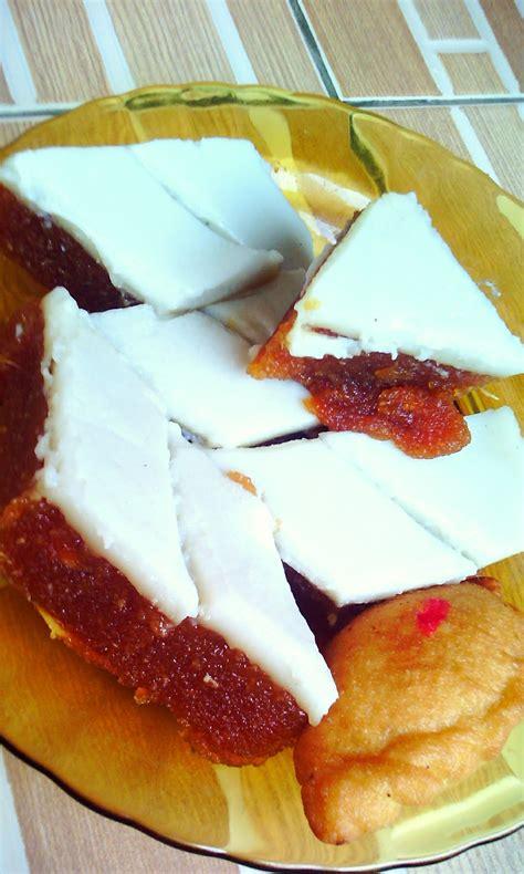 Satukan bahan lapisan bawah iaitu 1 cawan tepung, 2 cawan air gula di atas dan sedikit air kapur. Bahan Dan Cara Membuat Kue Talam - Berbagai Kue