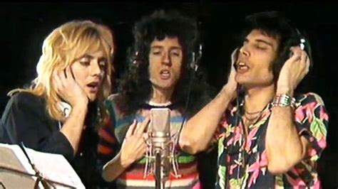 "Queen Release ""somebody To Love"" Lyric Video"