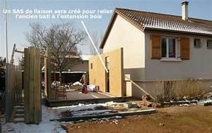 extension bois avec sas de liaison extension pinterest With maison bois toit plat 8 la veranda moderne 80 idees chic et tendance
