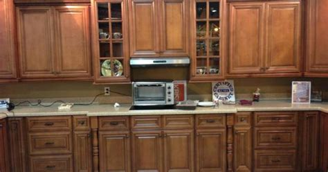 jim bishop cabinets dealers kitchen cabinet kings at the kbis 2013 chestnut pillow