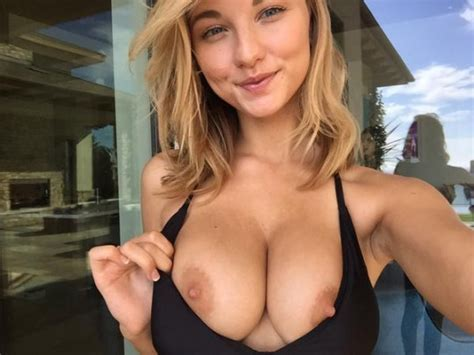 Nice Smile And Great Boobs Social Nsfw