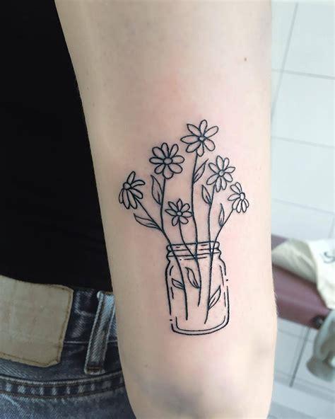 TATTOOS.ORG — Daisy Tattoo Artist: Tara Lee
