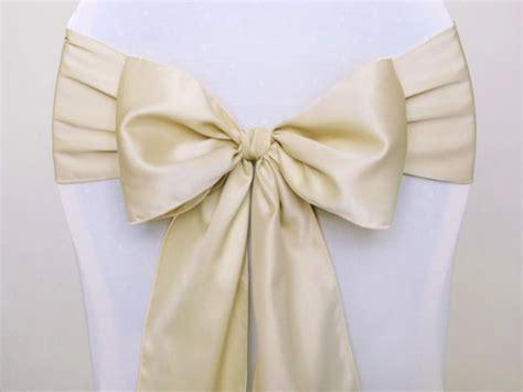 le noeud de chaise en satin luxe d 233 coration de table mariage mariage